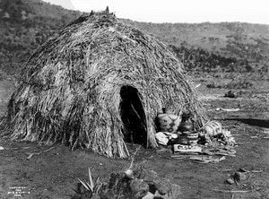 Apache wickiup