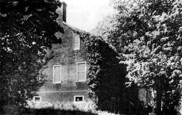 Old Tobacco Warehouse, built 1680 at Urbanna, Virginia