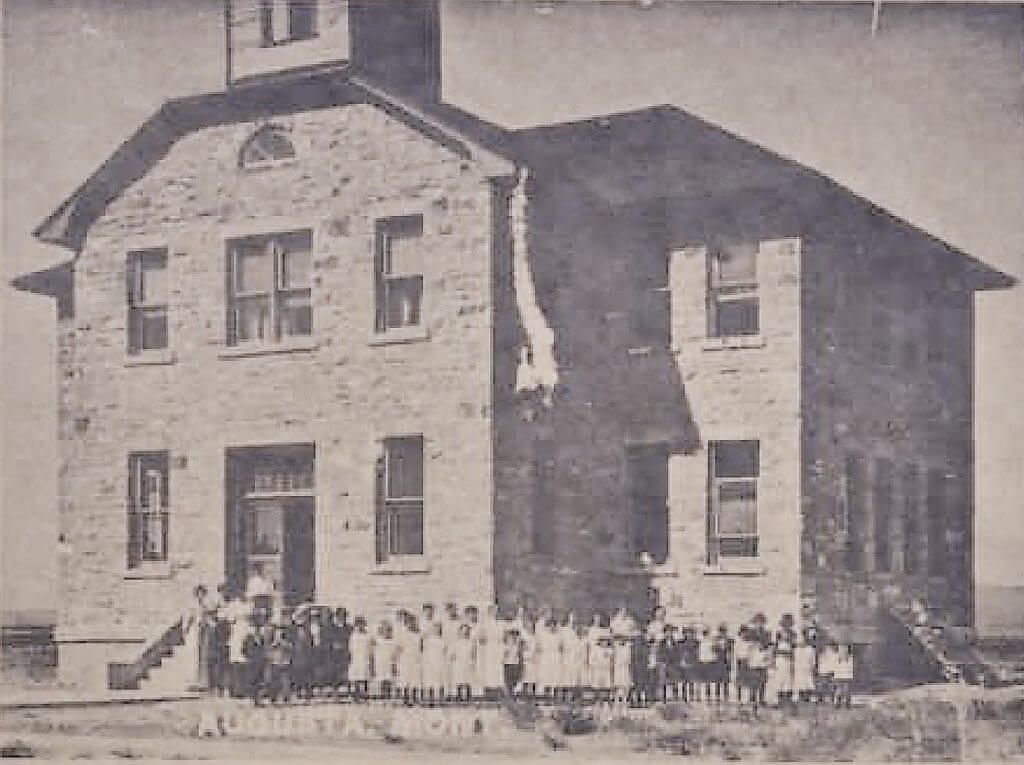 Augusta, Montana, Grade and two-year High School built in 1909